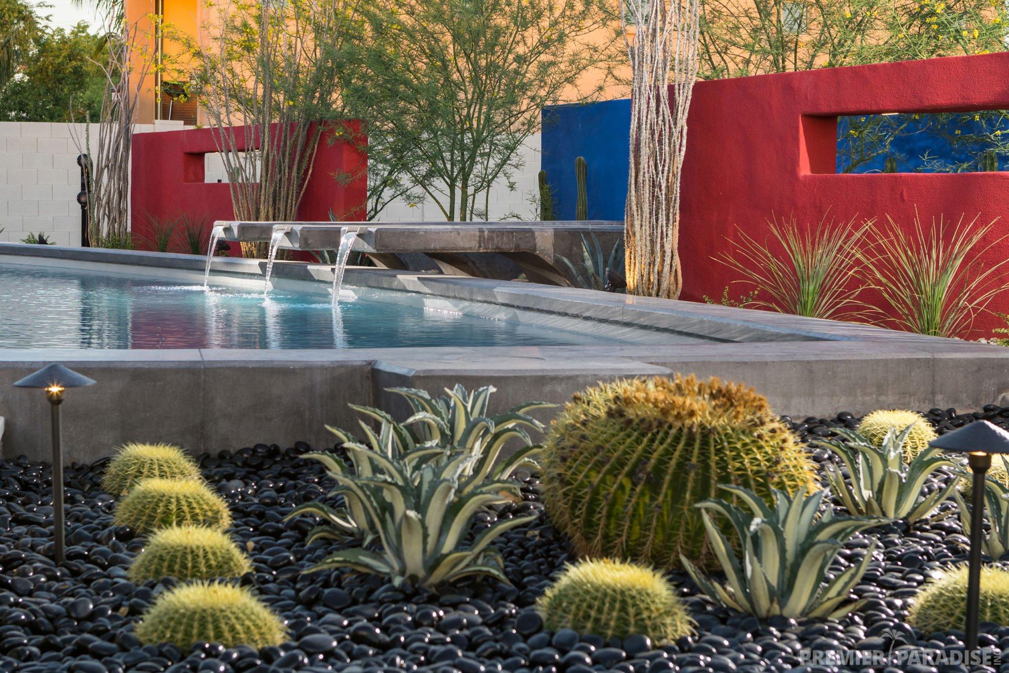 Contemporary Backyard Design Idea